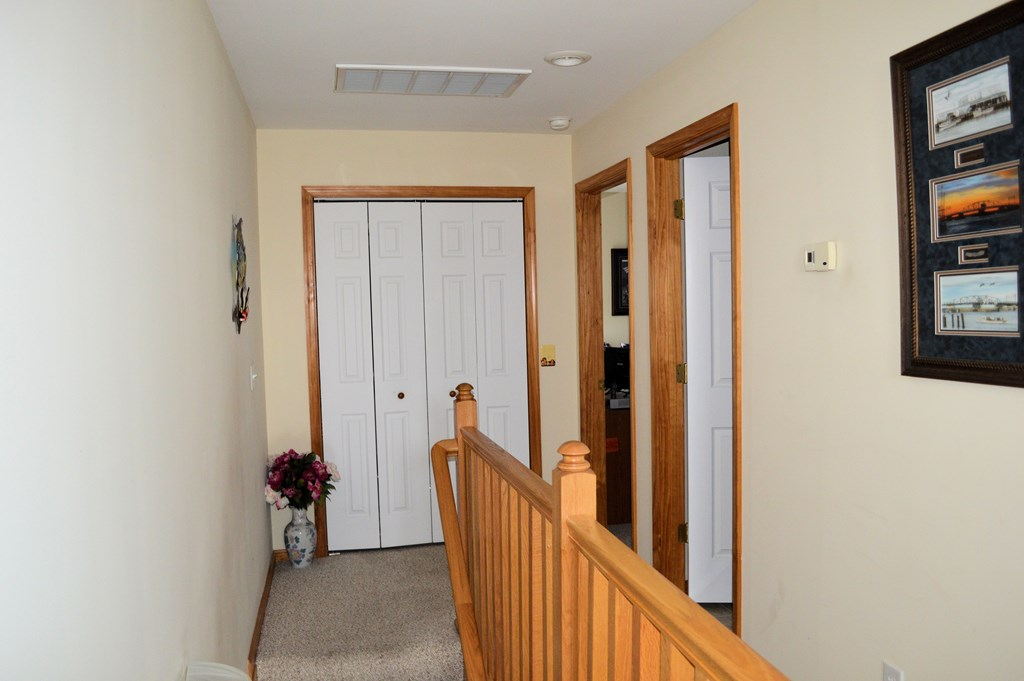 Upstairs foyer/washer/dryer up